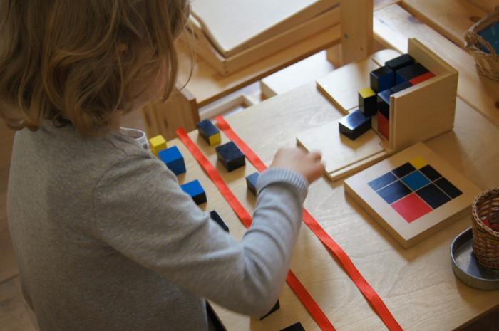 Montessori sensorial trinomial cube indyvidual work